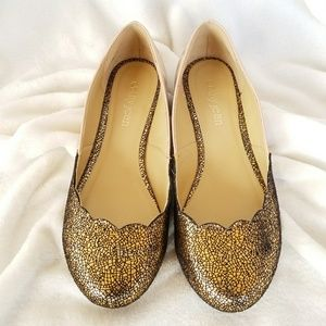 New Cathy Jean  size7 Scallop gold + nude flats